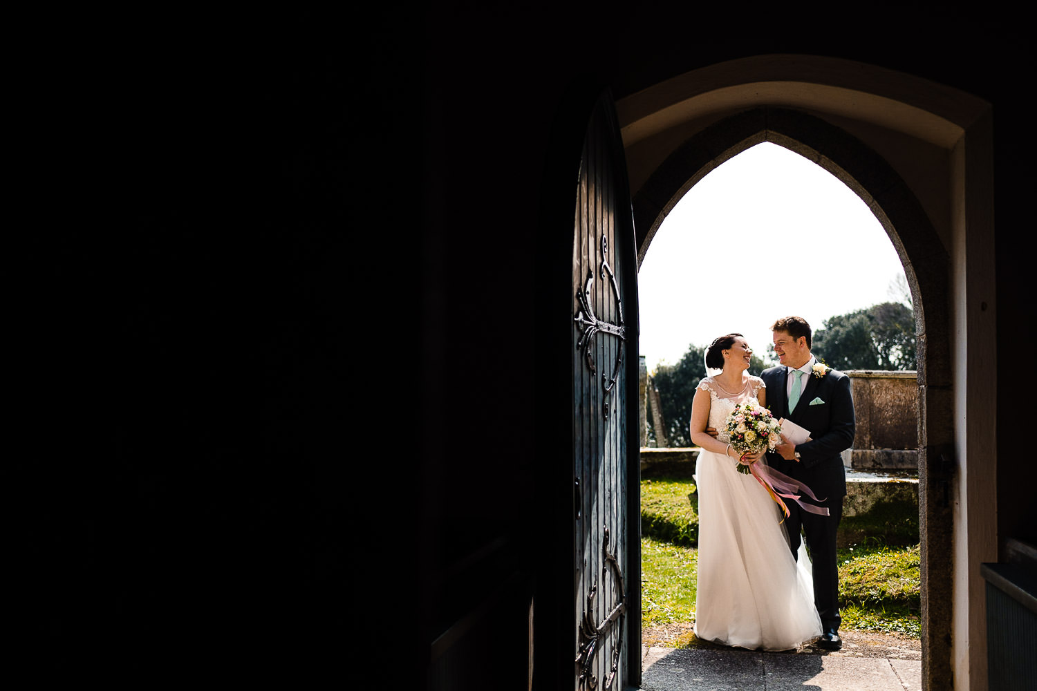 Bride and Groom at Mawnan Church