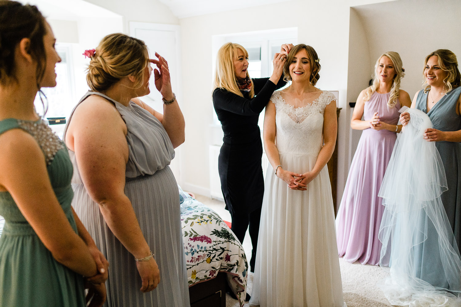 brides mum reaction to dress